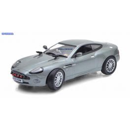 Aston Martin V12 Vanquish Universal Hobbies 1:43